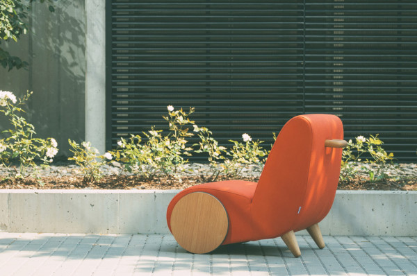 Rapide-Lounge-Chair-ONEMANDUO-Borg-8-600x398